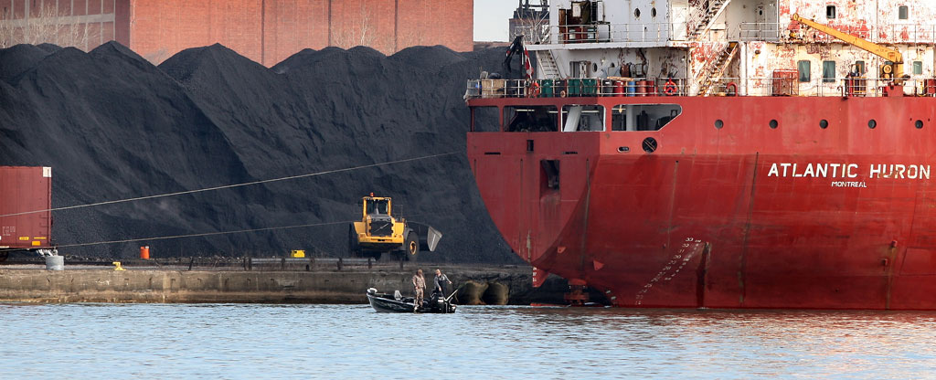 Petcoke in the transportation process